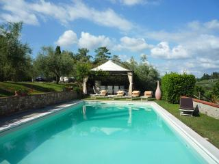 Tuscan Villa with Private Pool on an Olive Oil Estate - Villa Pia