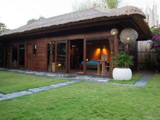 3BR-STUNNING VILLA CLOSE TO THE BEACH, Canggu