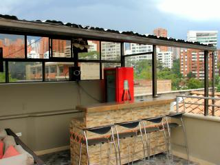 Top Floor Penthouse roof deck AC and Bar, Medellin
