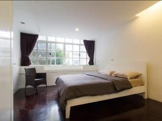 Townhouse SATHORN LUMPINI 4Bedrooms, Bangkok