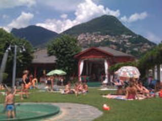 Jogar com área para crianças-Lido Lugano