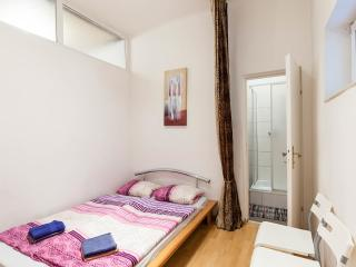 R 35   Budget 3 Zimmer Appartment, Viena