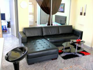 2 Bedroom Ground zero Park Lleras Hot Tub, AC, Medellín