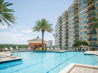 Premier 2 Bedroom Sunrise Family Apartments, Fort Lauderdale