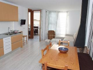 Ground floor B. 50 meters from the beach