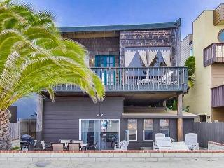 Island Style One Bedroom Located On The Sand In South Mission Beach, San Diego