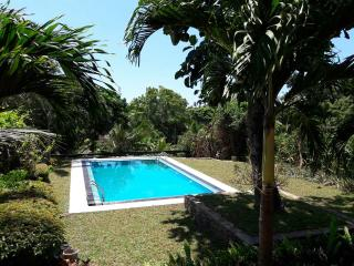 HikkaHouse 4BR Villa with Pool, Hikkaduwa