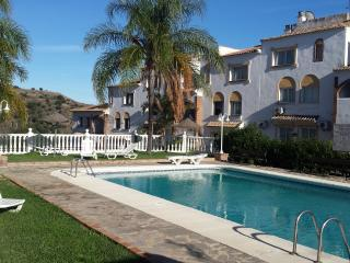 Charming 2 bed apt in Calahonda with great views, Sitio de Calahonda