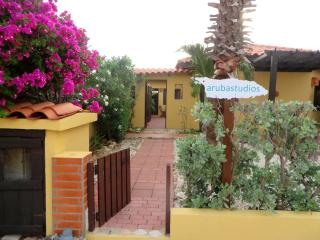 Aruba Studios, 3 minutes drive from the beach, Noord