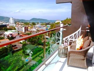 Trendy 2 Bedrooms Sea views in Patong !