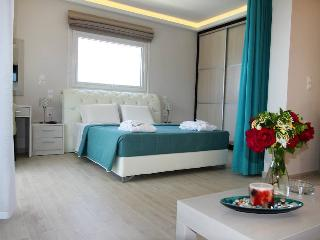 PARALIA LUXURY SUITE 60m2, Sleeps up to 5, Agios Stefanos