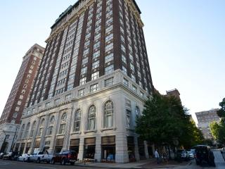 2BR Apartment Centrally Located Downtown Memphis