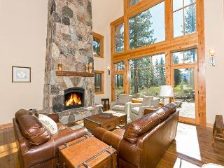 Caleb's Getaway - Brand NEW Luxury 4 BR 3.5 Bath - Shuttle to Northstar!, Truckee