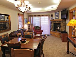Newly remodeled Condo -One block from the Ski Area, Steamboat Springs