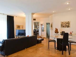 Beautiful large apartment near the beach, Tel Aviv