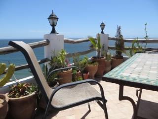 Albatross Penthouse - Fabulous garden terraces, 2 bedrooms, 2 bathrooms