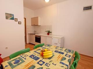 Apartment 1018