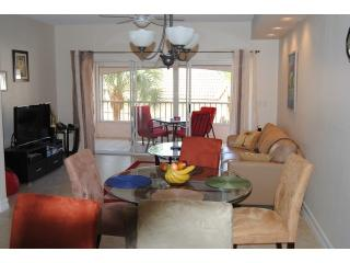 Beautiful townhome type condo, Napels