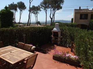 Casa con piscina comun y jardin priv. Costa Brava