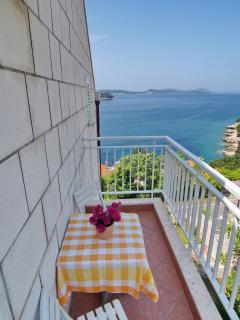 Side balcony