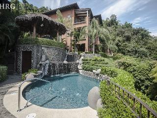 Beautiful ground floor Condo, great for families, next to pool at Los, Herradura