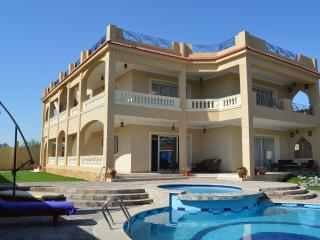 Villa 'House of Hathor'