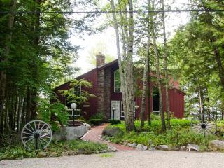 Waterfront | Gas Grill | Sleeps 8 | Brick Patio, Moultonborough