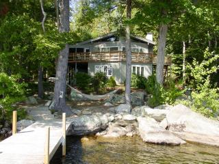 Open Concept Living/Dining Area | Waterfront, Moultonborough