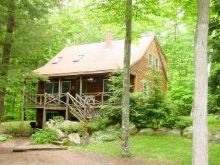 Beach Access | Trout Pond | Sleeps 8 | Gas Grill