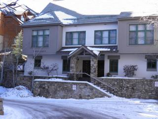 Highlands Townhome Ski to the Back Deck!, Beaver Creek