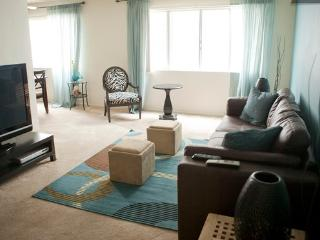 Stylish Get Away Close to the Beach, Santa Monica