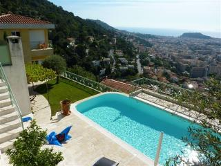 JdV Holidays Villa Amandier, 3 bedrooms and pool with amazing views over Nice!