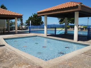 Haciendas del Club 1-104 beachfront, WiFi, Cabo Rojo