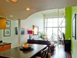 Vibrant Olympic Village Loft w/View, Vancouver