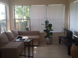 Private guest house 5 minutes from beach, Pompano Beach