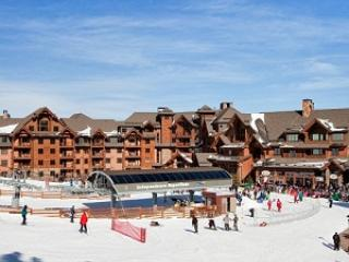 Ski in/out   Grand Lodge at Peak 7 Large 1 bedroom, Breckenridge
