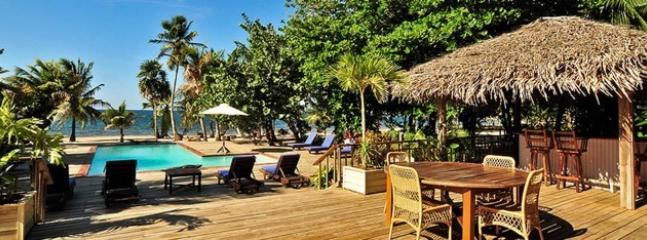 community pool/restaurant/bar