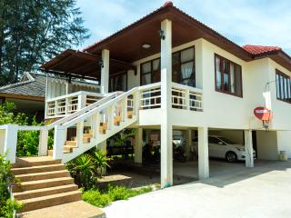 WH: 2 bedroom house on the beach, Lipa Noi