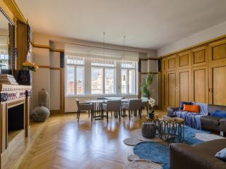 Karoly Panorama Prestige Suite, WiFi, AC, Budapest