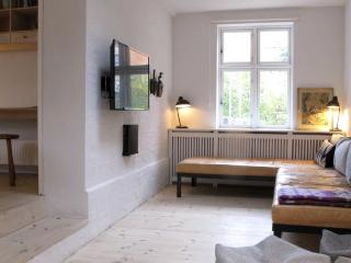 Lovely Copenhagen apartment in residential neighborhood, Copenhague