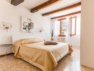 Academy Palace Apartment n.5, Venice