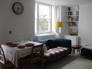 Characterful 2 Bedroom Garden Flat, Camden, London
