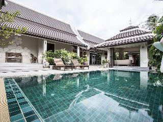 Villa Samui   -  mid-size luxury  4 bedrooms villa