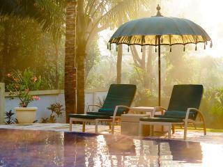 2. Villa Mako - Sunrise over the pool