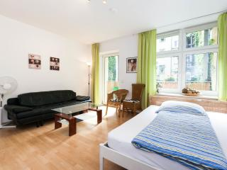 3-Rooms Apartment B1, Berlino