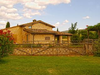 2 bedroom Villa in Monteriggioni, Siena and surroundings, Tuscany, Italy : ref