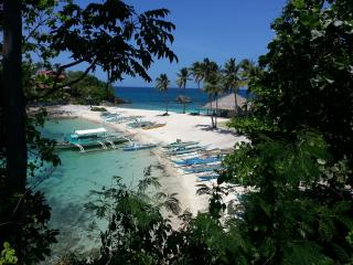 beach front 2 storey plus roof  6 rooms, Malapascua Island