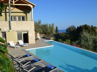 Arenaria L. Villlas Komplex - Villa Oeana, Grecia central