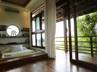 4BR - SAKURA VILLA CLOSE TO KUDETA, Seminyak