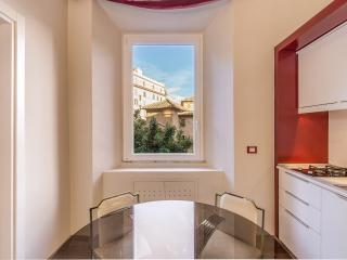 COZY AND COLOR TRASTEVERE APARTMENT FOR 5 PAX; WIF